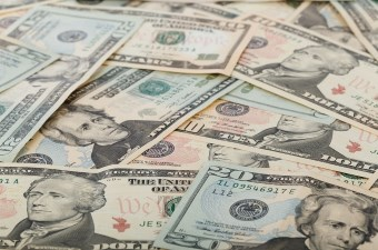 Image of ten and twenty dollar bills used to display some of the best things to do in NJ for cheap